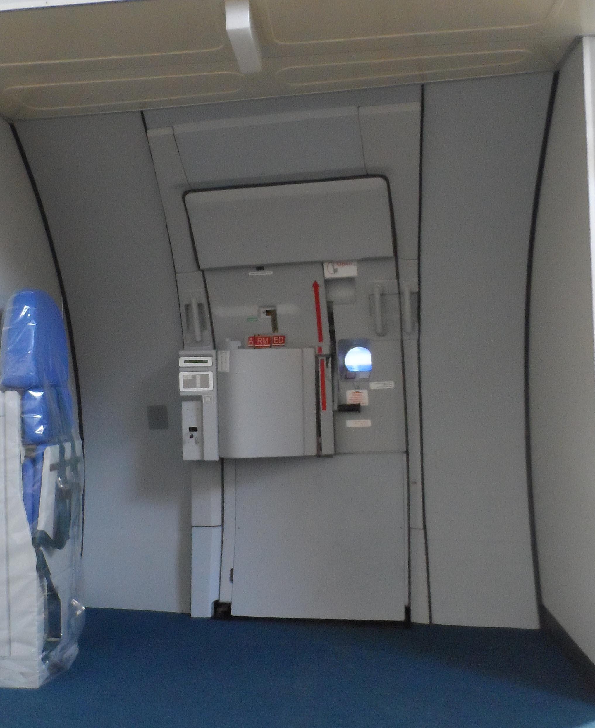 Airbus A320 door training